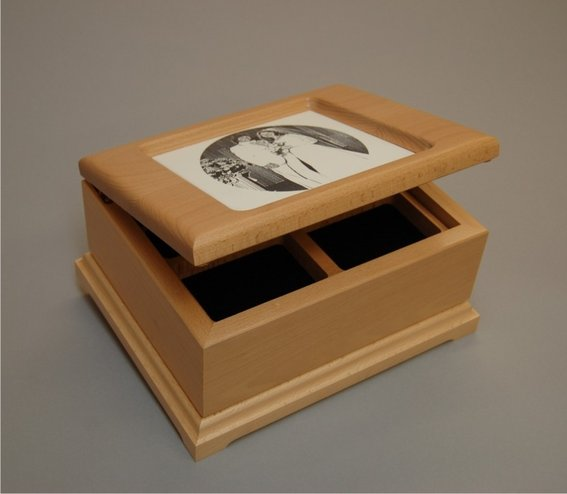 custom engraved jewelry box