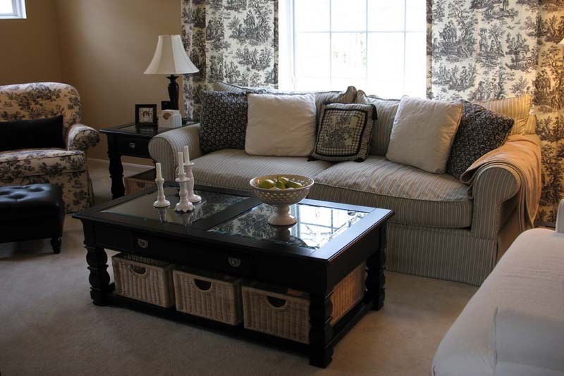 Black coffee table decor
