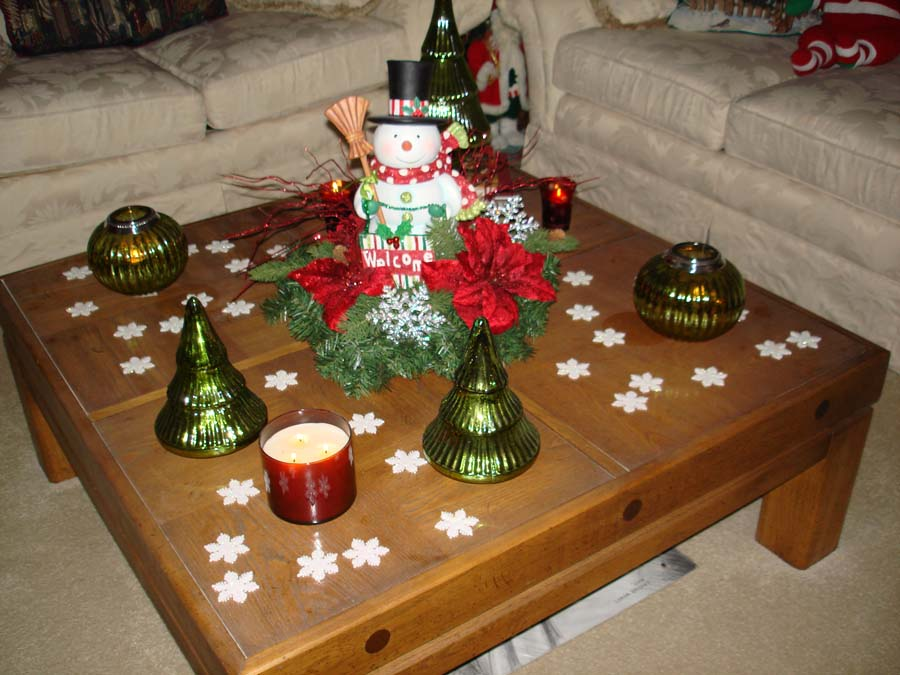 Coffee table decor for christmas
