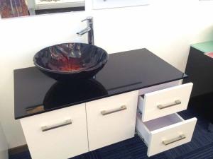 Round bathroom vanity units