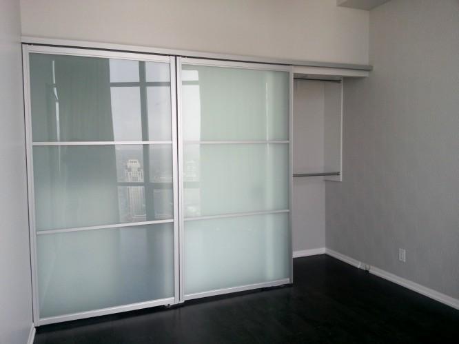bifold closet doors over carpet