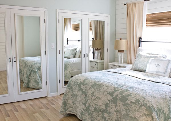 how to fix mirror sliding closet doors