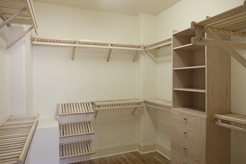 installing wood closet shelving