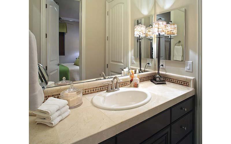 Bathroom countertop accessories