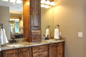 Bathroom double basin vanity units