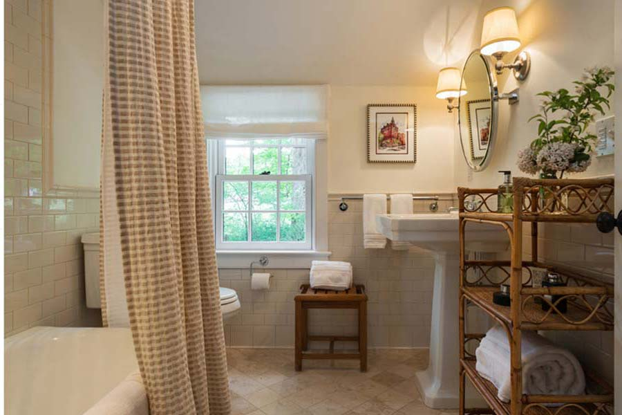 Country-Style-Vanities-For-Bathroom