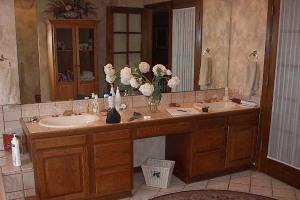 Wood bath vanities