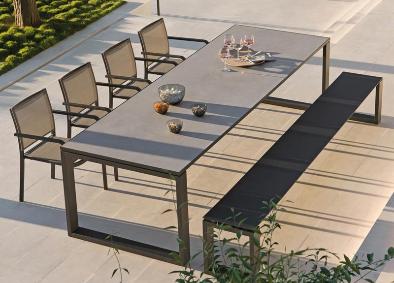 Modern Outdoor Etra Table