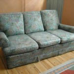 : what is the average size of a 3 seater sofa