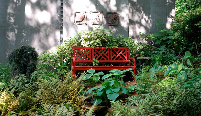 garden bench decorating ideas