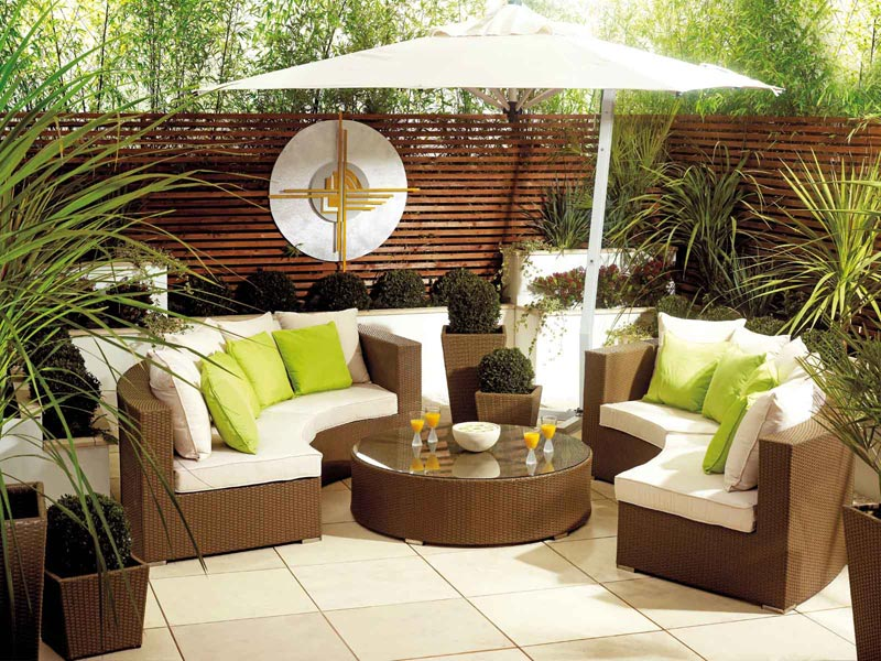 garden furniture at poundstretcher