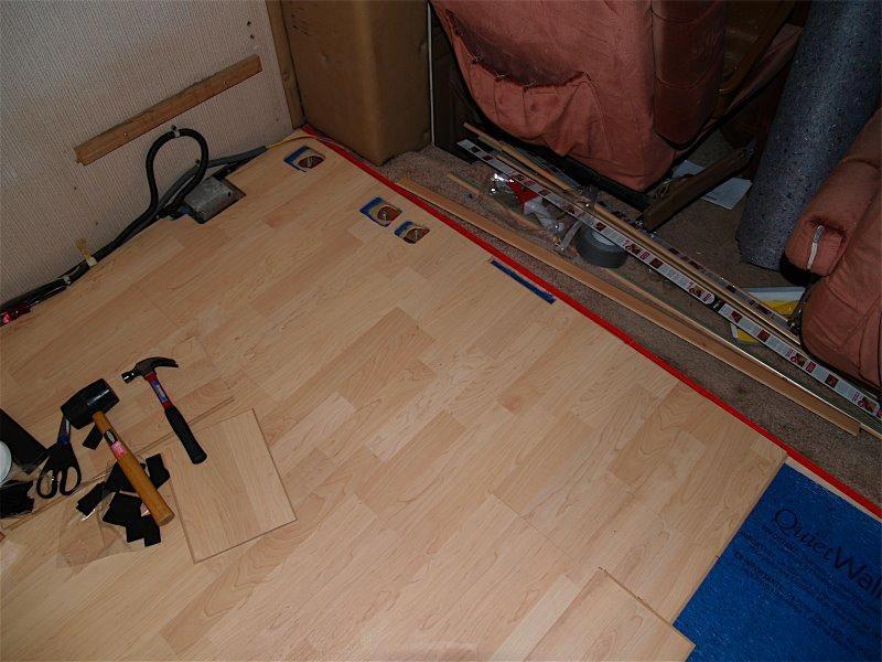 how do lay laminate flooring