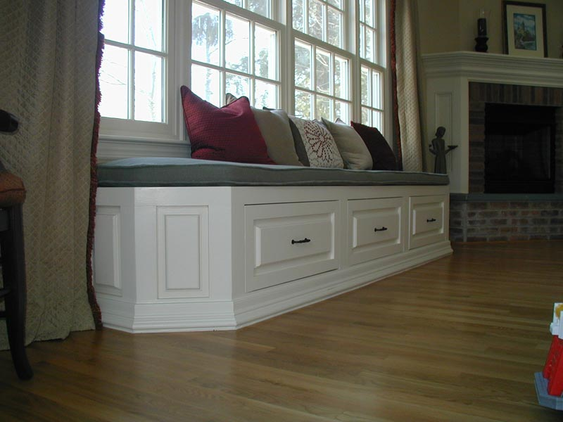 how to build a bench seat with storage for kitchen