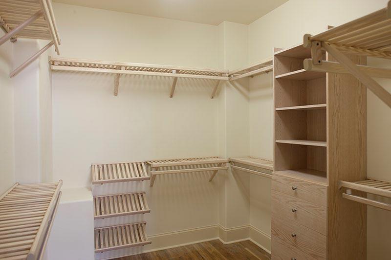 custom wire closet shelving