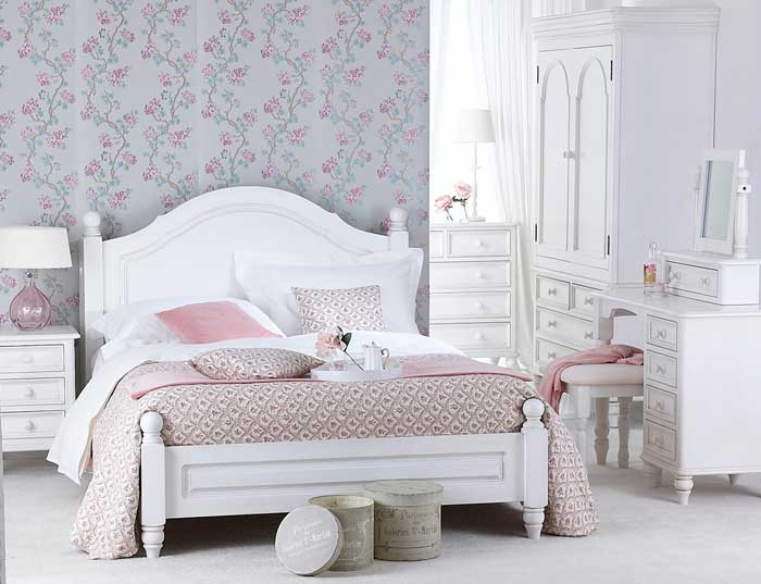 : antique bedroom furniture styles