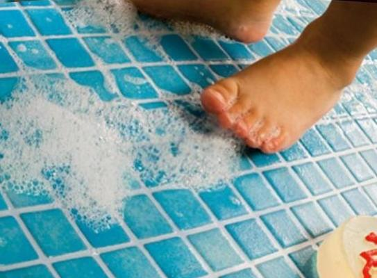Charming anti slip tiles for wet rooms