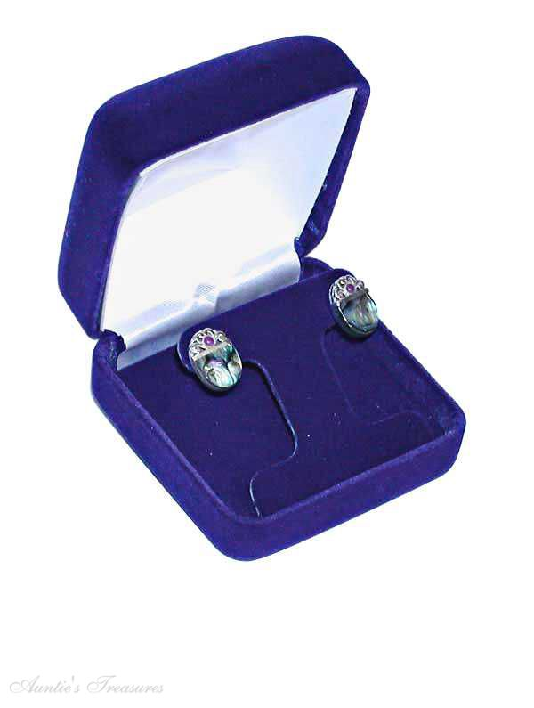 jewelry box for clip earrings