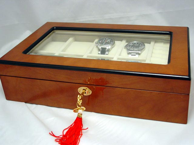 Man's watch box