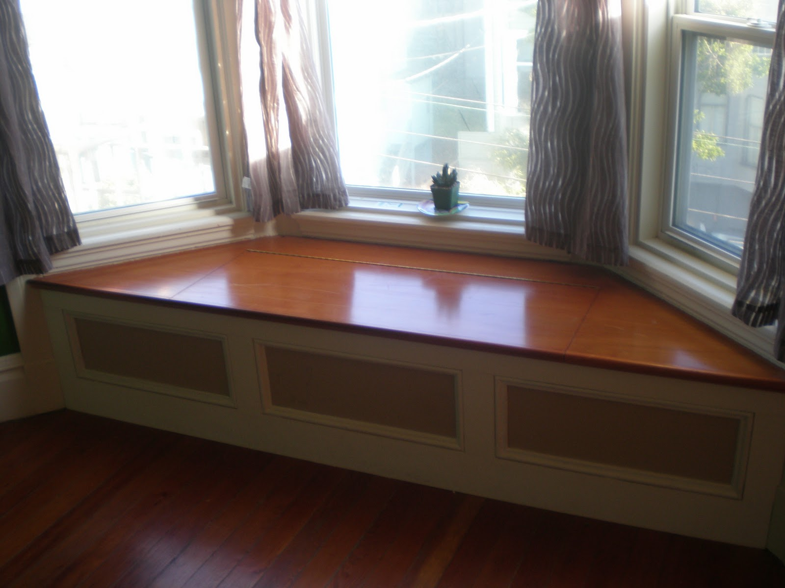 bay window seating bench with storage
