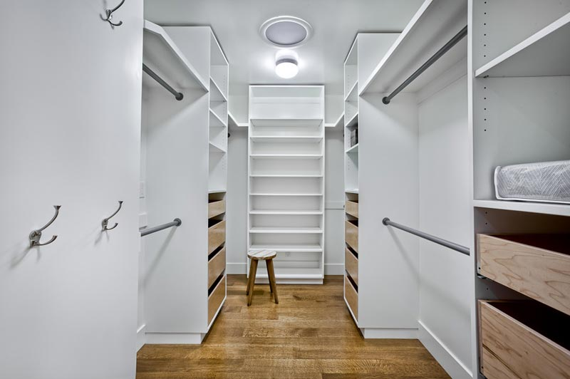 build walk in closet storage