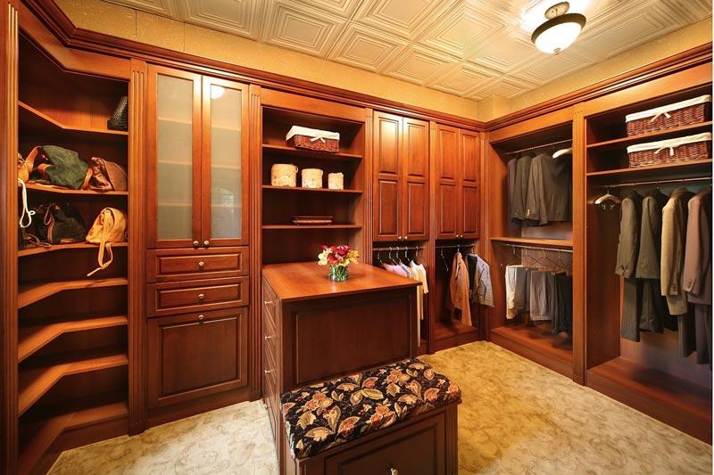 custom closet cabinetry design