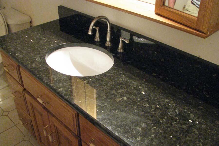Bathroom vanities with quartz tops
