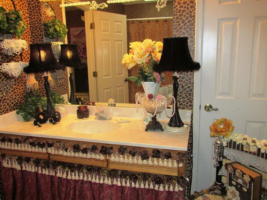 Bathroom vanity accessories sets