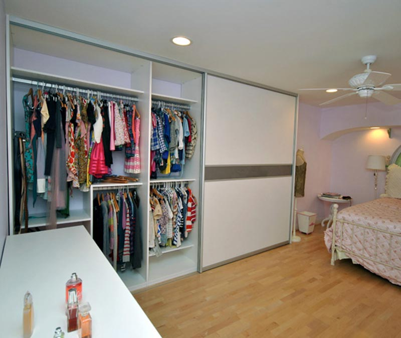 custom build wood closets