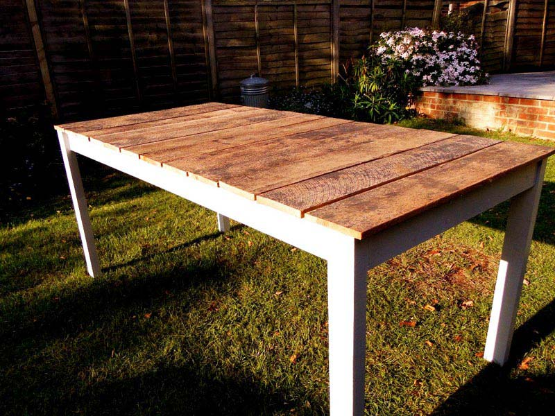 How To Make A Wooden Garden Table