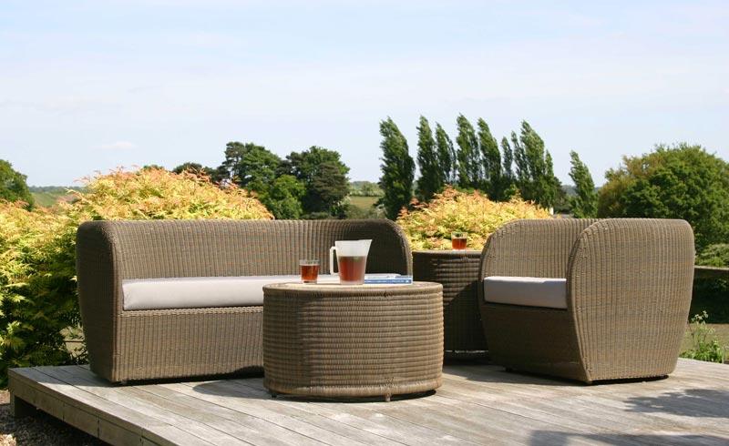 bq garden furniture 2015