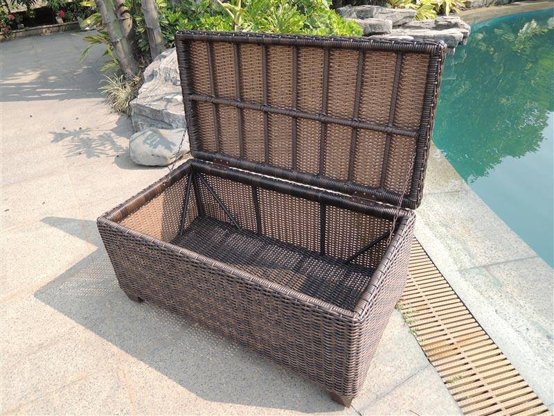 outdoor wicker coffee table trunk