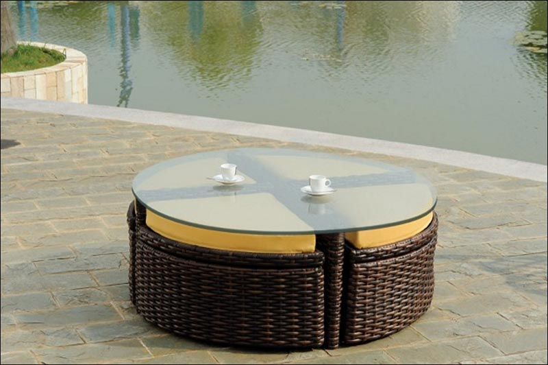 large round rattan coffee table