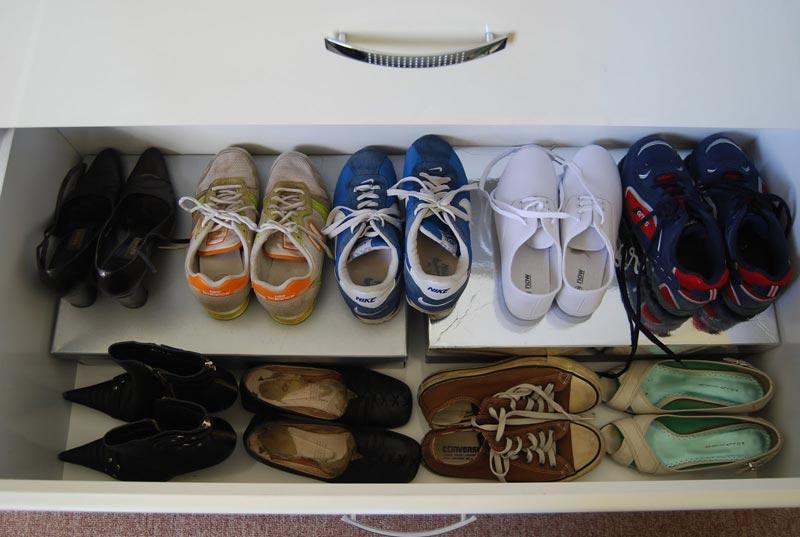minimalist shoes wardrobe