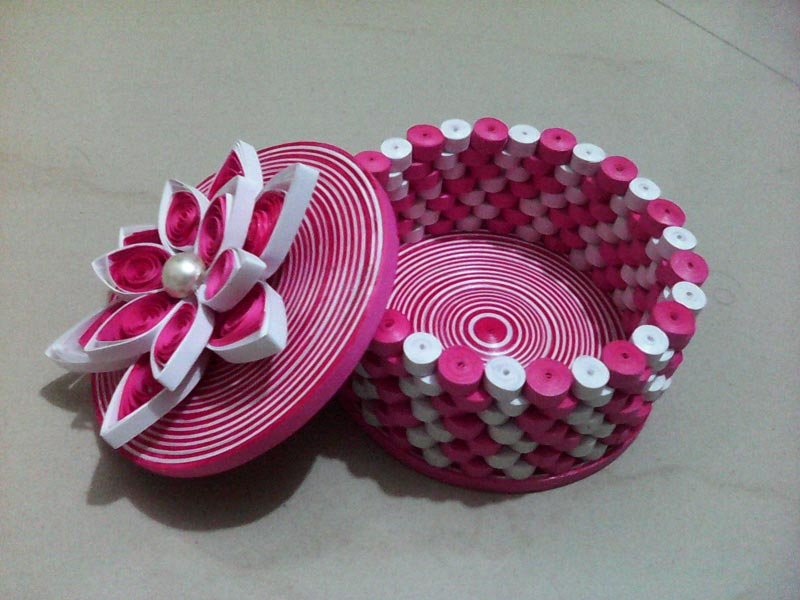 How To Make Quilled Jewellery Box.  Source:Flickr