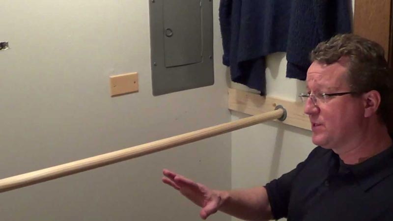 closet rod bracket