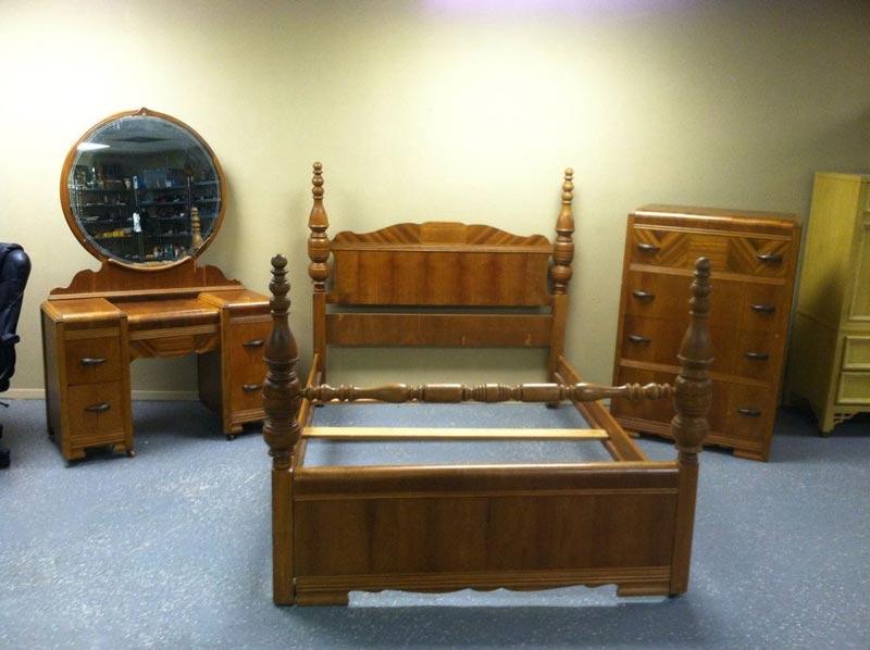 antique bedroom furniture 1930