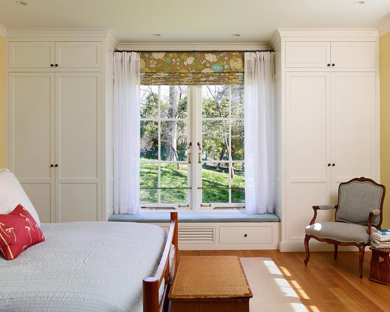 bedroom cabinets built in