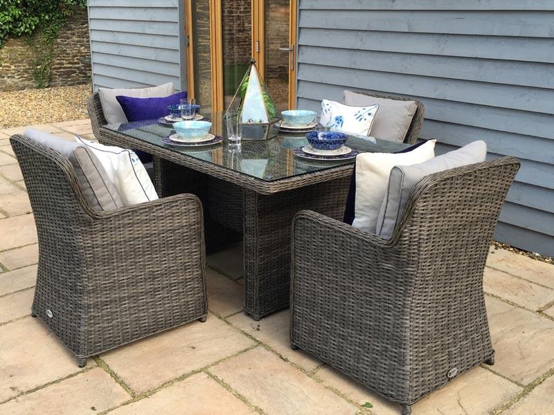 oakita rattan garden furniture