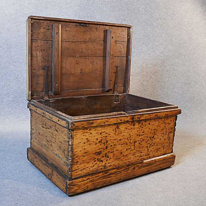 antique storage chest coffee table
