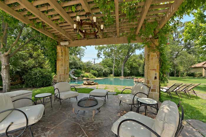 patio designs for large gardens